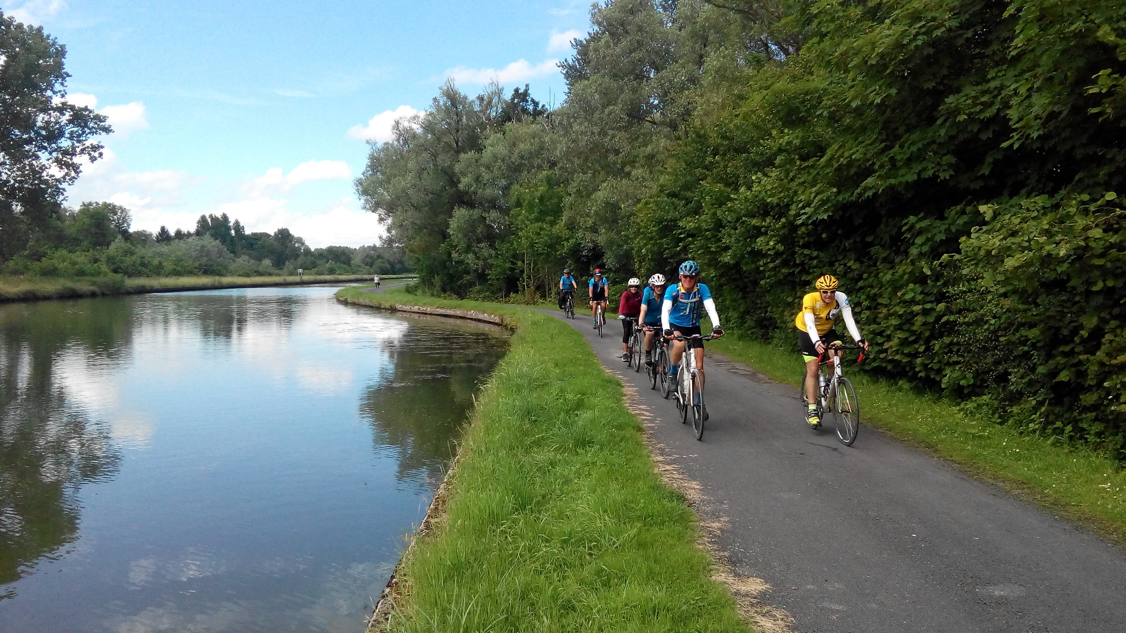 cycle holiday canal